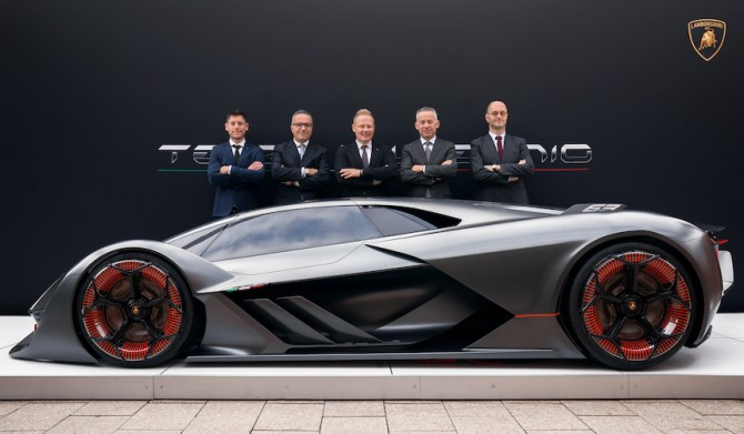 ランボルギーニ、EVスーパーカー「テルツォ ミッレニオ」披露|Lamborghini