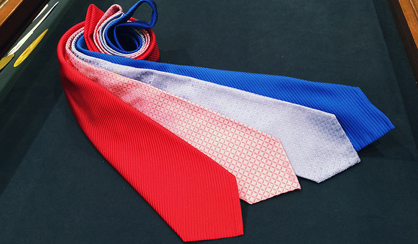 Hayama Shirts|伝統の手技で生み出される7つ折りネクタイ「セッテピエゲ」