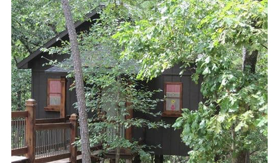 9_Eureka-Springs-Treehouses_USA