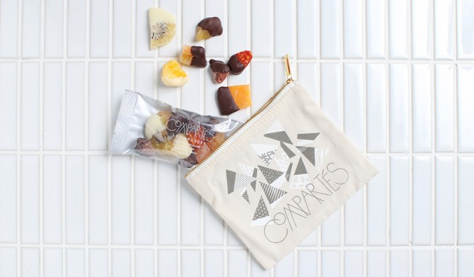 Love-Fruits-Pouch