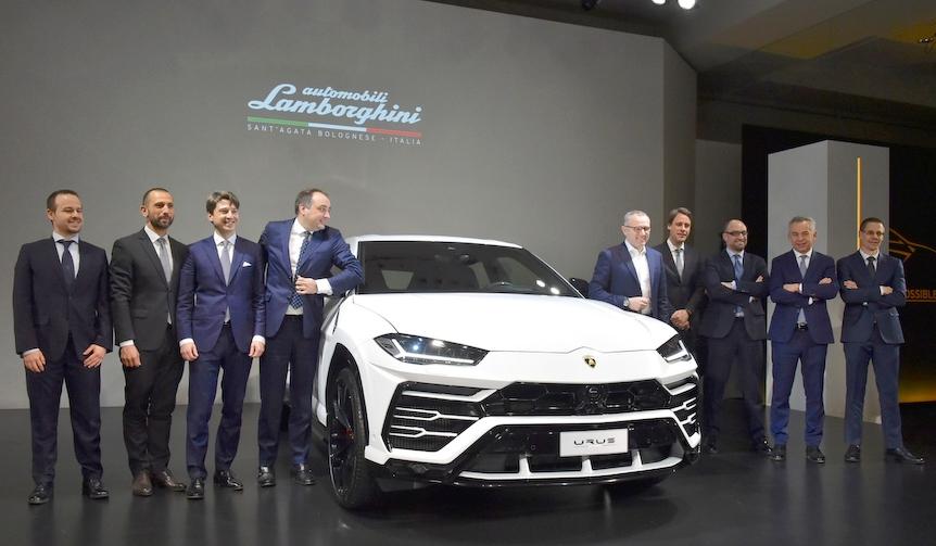 ランボルギーニのスーパーSUV「ウルス」を日本初公開|Lamborghini