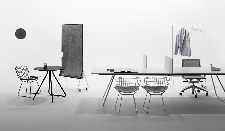 i+|卓球台にもなるオフィス家具? i+(アイプラス)の新作