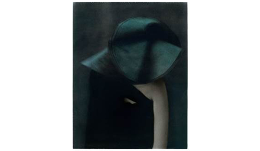 ART|世界が注目する写真家サラ ムーンの個展を開催