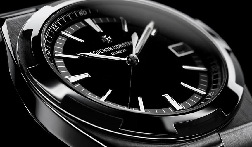 VACHERON CONSTANTIN|メタリックな輝きに縁どられた、漆黒ダイアルのオーヴァーシーズ