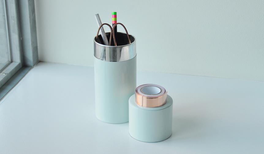 PAPIER LABO.|ブリキ製のオリジナルペンケースにブルー系の新色がリリース