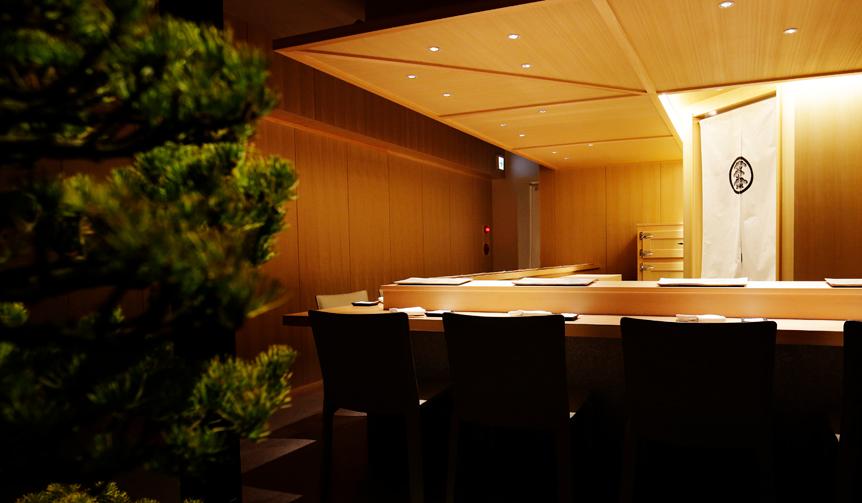 EAT|わずか十席の空間で鮨を愉しむ。中目黒「鮨つぼみ」がオープン