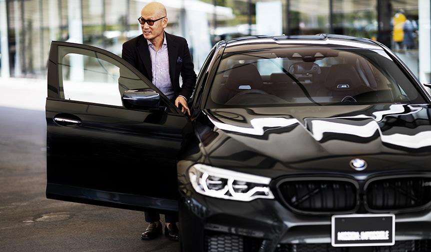 ファッションディレクター森岡弘氏が語るBMW「M5」の魅力|BMW