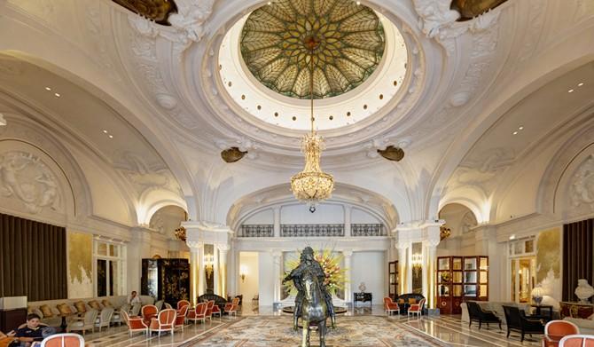 Hôtel de Paris Monte-Carlo|伝説的なモナコのホテルの古典美極まるメインロビーが再開
