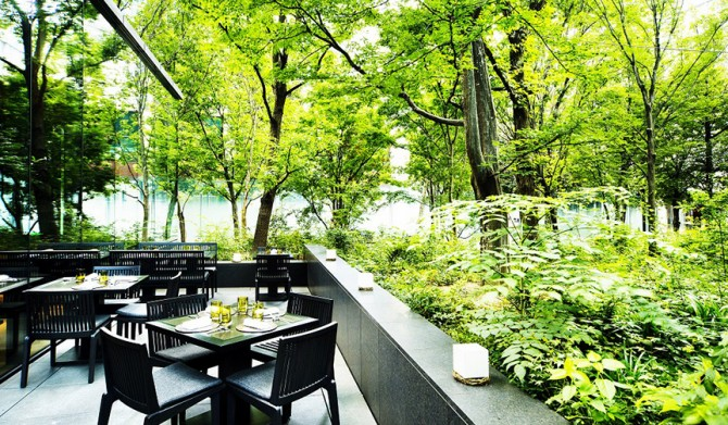 AMAN TOKYO|大手町の緑に包まれた「ザ・カフェ by アマン」にて、朝食サービスがスタート