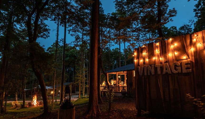 LOUNGE|日本初の会員制グランピング施設「東京クラシックキャンプ」