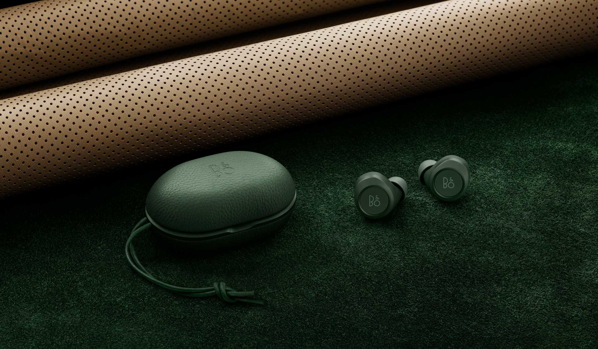 Bang & Olufsen|バング & オルフセン Beoplay E8の限定カラー「Beoplay E8 Racing Green」