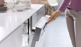 ドイツ・ミーレ社、創業120周年記念モデル。ビルトイン食器洗い機を発売|Miele