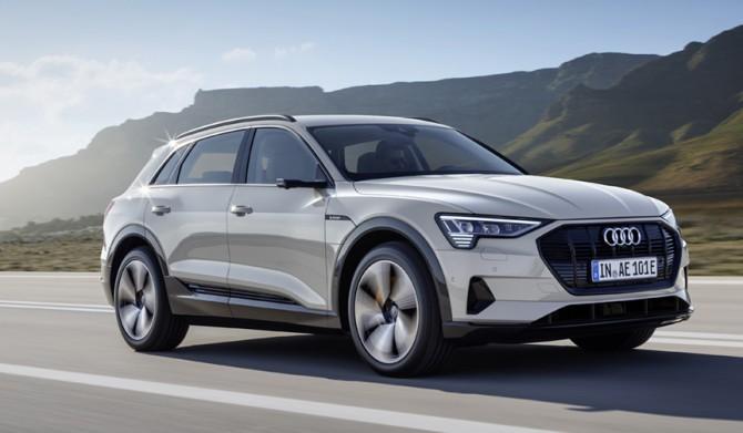アウディが初の量産EV「e-tron」を発表|Audi