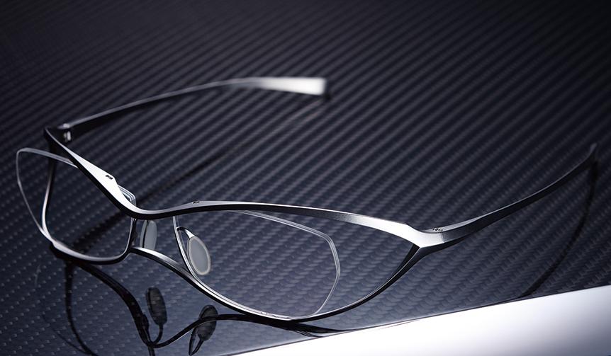 LEXUS|真摯なモノづくりへの共感姿勢が生み出した、職人の手仕事によるドライビンググラス