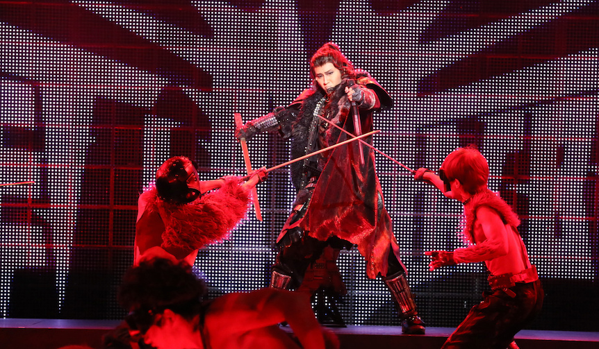 LOUNGE 日本初の360°回転劇場が贈るシェイクスピア『メタルマクベス』disc3