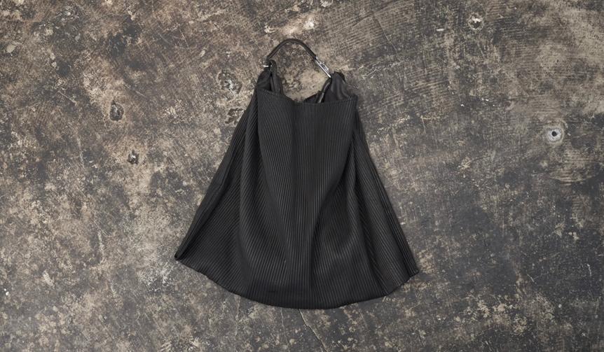 T.A.S|ピッグレザーの質感とプリーツを掛け合わせた新感覚バッグ
