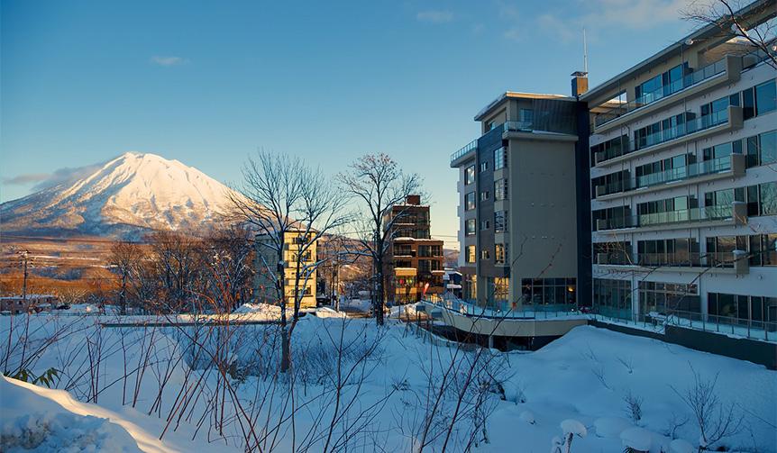 LOUNGE| スキーリゾートで自宅感覚のホテルステイ。「ハイアット ハウス ニセコ」がオープン