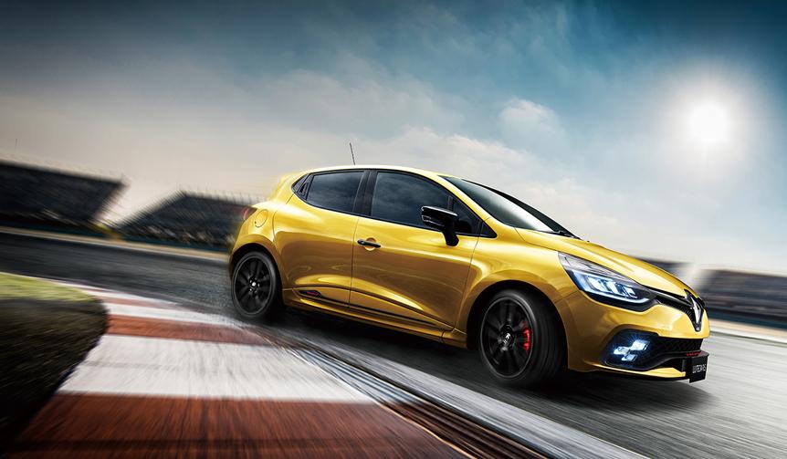 ルノー ルーテシアR.S.に専用マフラーの限定モデル|Renault