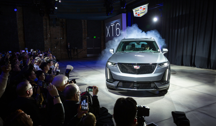新型クロスオーバー「XT6」をワールドプレミア|Cadillac