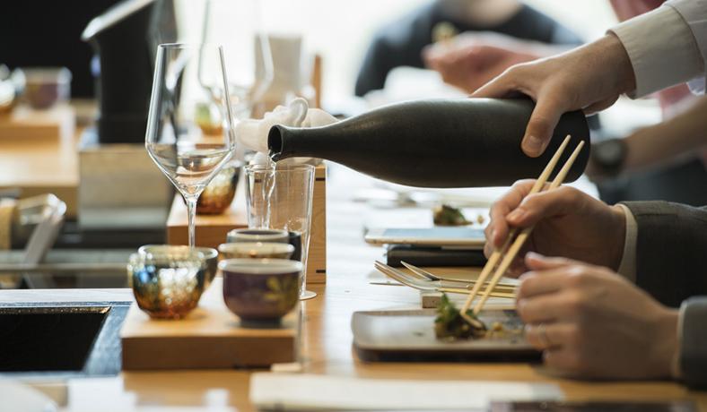 LOUNGE|「酒づくりの神様」と「美食のまち」を堪能する「Saketronomy(サケトロノミー)」開催