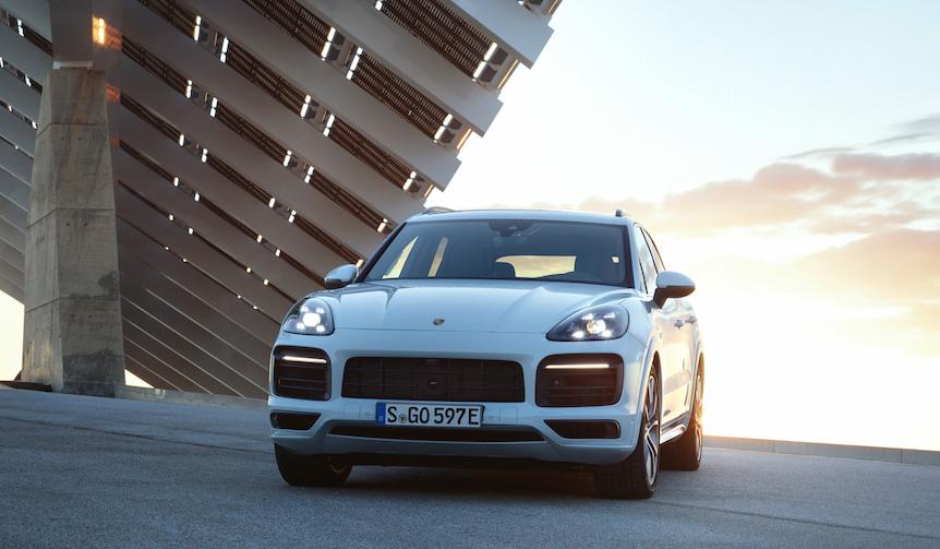 ポルシェ新型「カイエン Eハイブリッド」の予約受注を開始|Porsche