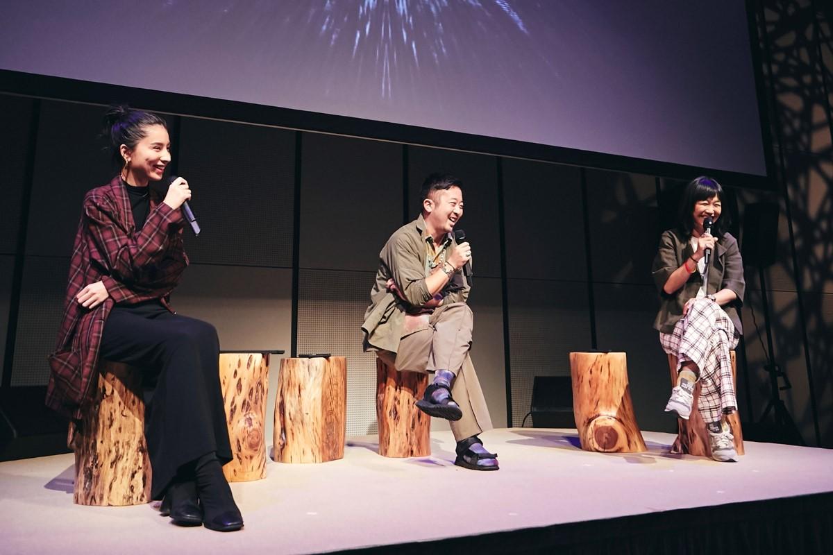 左からラブリ氏、Shun Watanabe氏、佐久間 裕美子氏