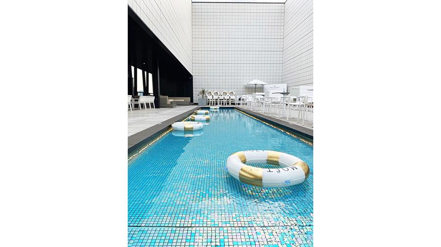 【1日10組限定!】銀座の屋外プールサイドテラスにビアガーデンがグランドオープン!